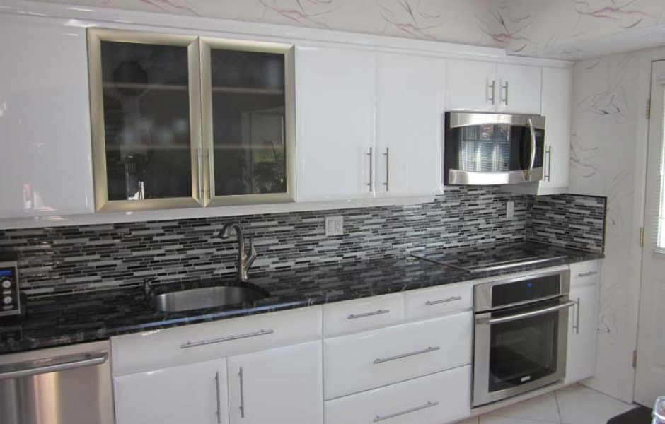Kitchen cabinet refacing long island ny for Refacing old kitchen cabinets
